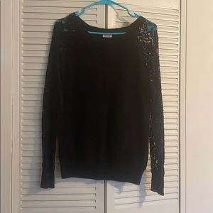 Black sweater with Lace Sleeves